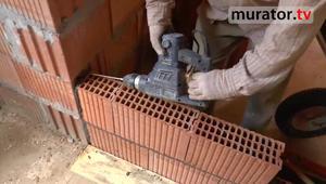 Ściany działowe z ceramiki poryzowanej - jak się je muruje