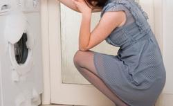 Zalanie mieszkania. Jak zminimalizować konsekwencje pękniętej rury czy cieknącej pralki?