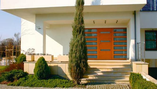 Schody zewnętrzne jako ważny element wejścia do domu