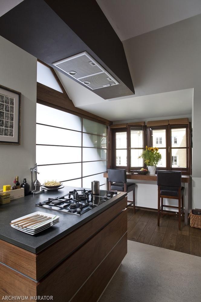 Aranżacja kuchni na poddaszu Galeria zdjęć pomysłowych   -> Kuchnia Na Poddaszu Pod Skosem