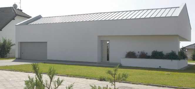 POkrycie z blachy na nowoczesnym budynku