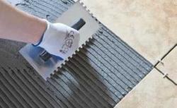 Płytki podłogowe na tarasie betonowym. Zasady układania płytek ceramicznych