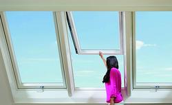 Nowoczesne okna dachowe - jak wybrać właściwy i wygodny sposób otwierania