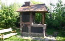 Zestaw idealny: grill murowany i wędzarnia ogrodowa