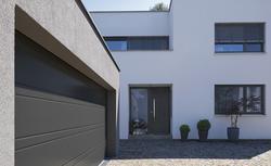 Bramy garażowe i drzwi wejściowe - nowe wzory, nowe możliwości