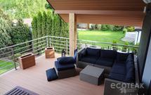 Wykorzystaj deski kompozytowe i odmień swój taras, ogrodzenie lub elewację domu