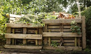 Kompostownik w ogrodzie: jak zrobić, gdzie postawić?