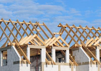 Impregnacja drewna. Jak zabezpieczyć drewno konstrukcyjne przed naturalną korozją i ogniem?