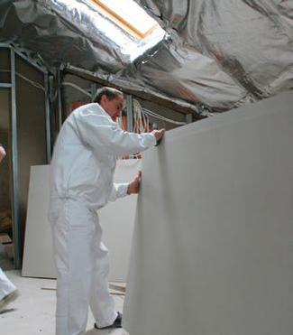 Ściany działowe na poddaszu. Praktyczne porady dla wykonawców
