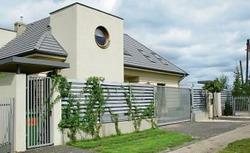 Jak dobrze zaprojektować ogrodzenie? Budowa ogrodzenia
