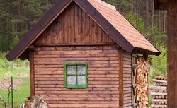 Prawo budowlane. Jak zamienić budynek gospodarczy na mieszkalny? Kiedy pozwolenie na budowę?